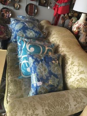 spring pillows.jpg